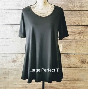 🆕️🖤 LuLaRoe, Large Noir Perfect T, NWT🖤